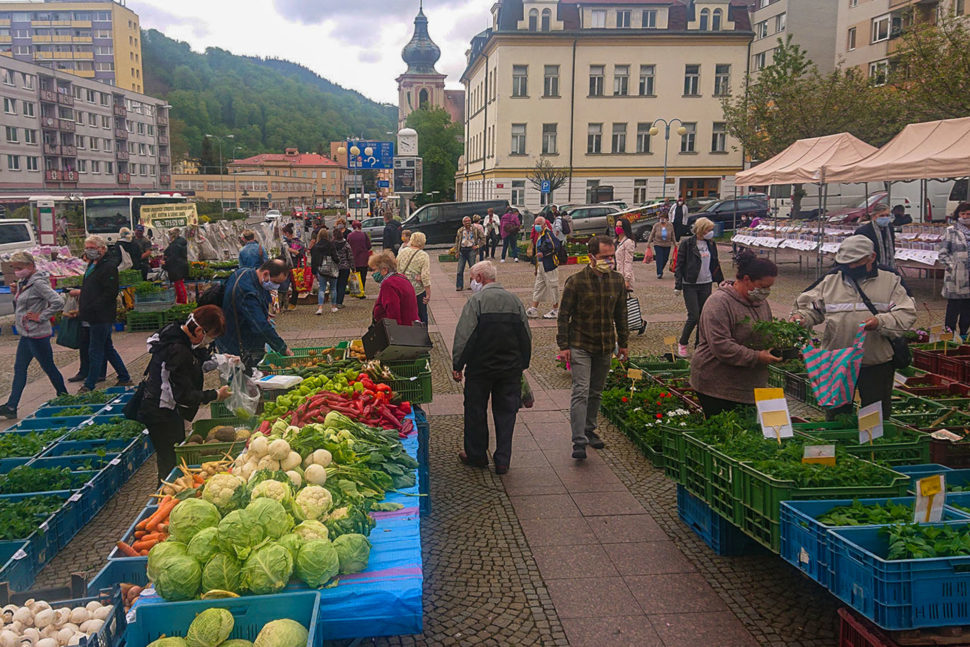 Farmářské trhy vDěčíně